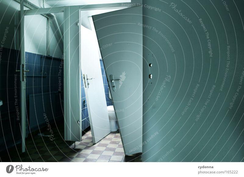Freie Wahl Farbfoto Innenaufnahme Menschenleer Textfreiraum rechts Tag Licht Schatten Zentralperspektive Tür Aggression anstrengen ästhetisch bizarr entdecken