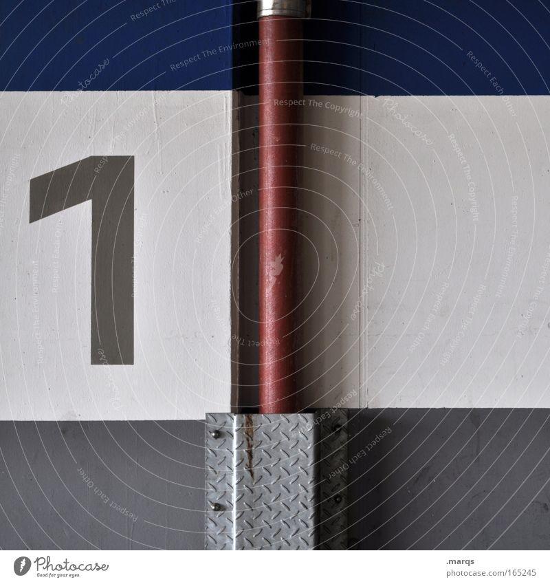 No 1 weiß blau Wand grau Mauer Gebäude Schilder & Markierungen Erfolg Beginn Verkehr fahren Ziffern & Zahlen Streifen Zeichen Autofahren