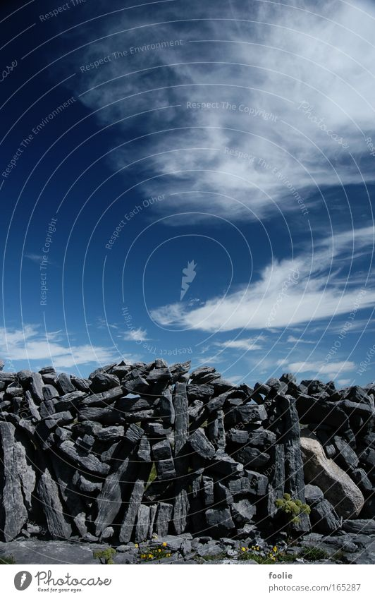 Mauer Natur alt weiß blau schwarz grau Stein Feld Europa Kultur Zaun Tradition stagnierend Republik Irland Aran Islands