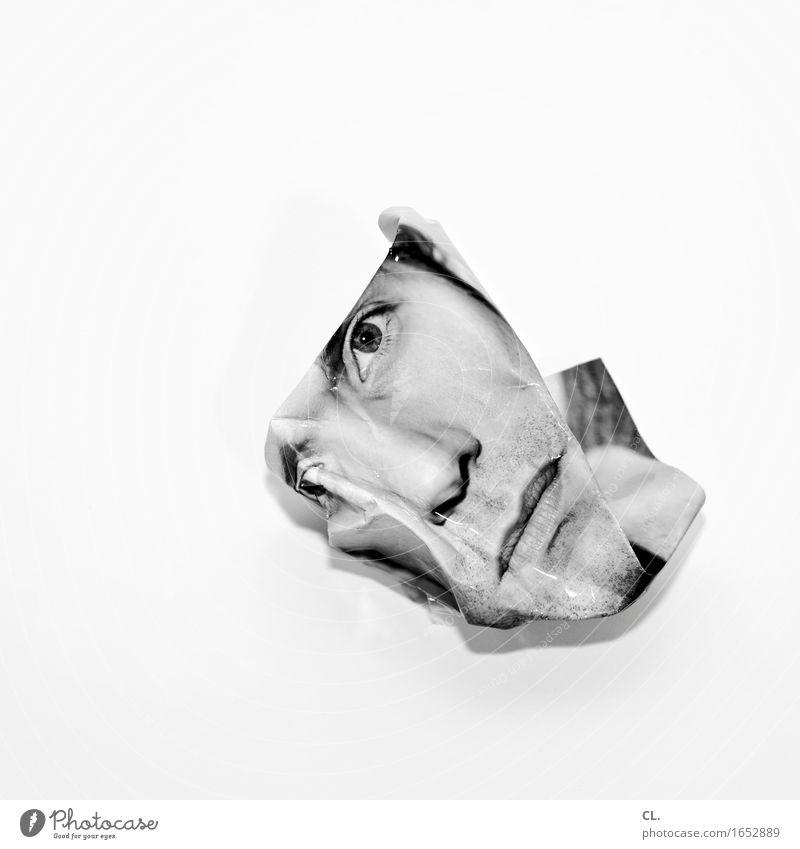 geknickt Mensch maskulin Mann Erwachsene Leben Gesicht 1 30-45 Jahre Printmedien Papier Müll außergewöhnlich kaputt Traurigkeit Sehnsucht Erschöpfung