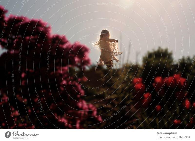 licht kind Mensch Kind Natur schön Sommer Blume Mädchen Bewegung natürlich Spielen Stimmung springen träumen leuchten Tanzen einzigartig