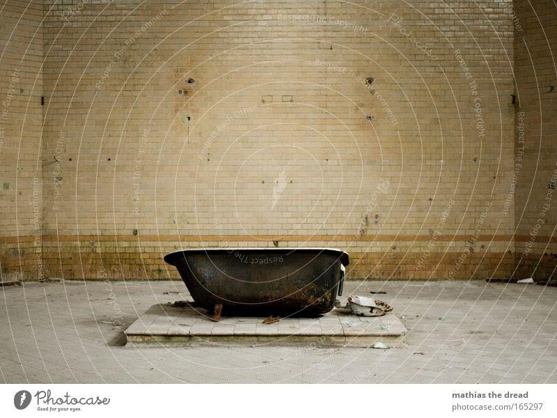 WASCHTAG Wasser alt Einsamkeit Wand Mauer Gebäude dreckig leer Bad kaputt Sauberkeit Müll Fliesen u. Kacheln Bauwerk Raum Ruine