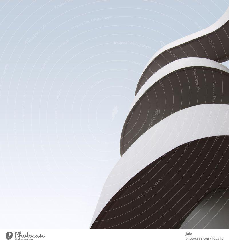 full of verve blau weiß Architektur grau Linie elegant modern ästhetisch Bauwerk Kurve Wolkenloser Himmel gekrümmt Wellenlinie