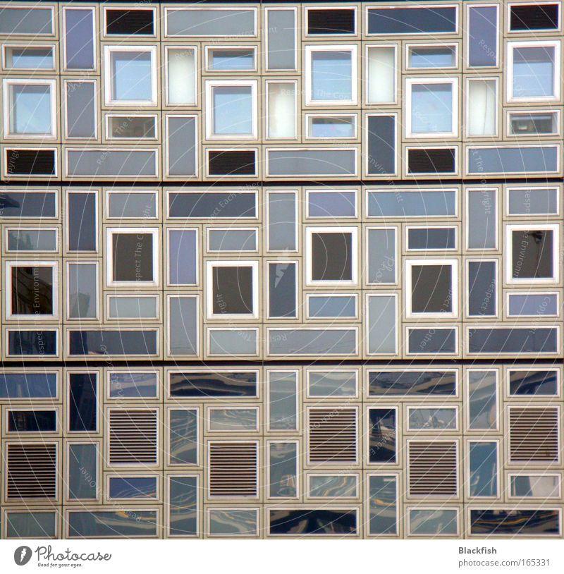 TETRIS Farbfoto Gedeckte Farben Außenaufnahme Menschenleer Zentralperspektive Häusliches Leben Wohnung Raum Kunst Fassade Fenster eckig blau grau schwarz weiß