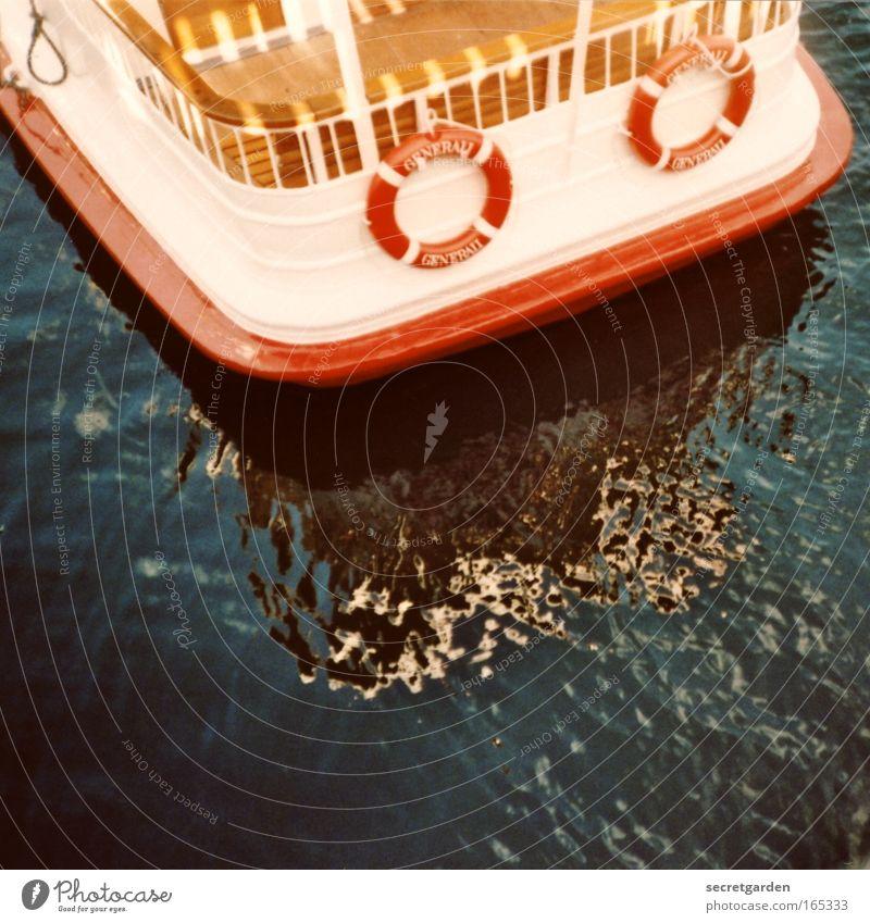 böotchenfahrt mit einem o oder zwei? Farbfoto Außenaufnahme Lomografie Holga Menschenleer Textfreiraum unten Reflexion & Spiegelung Sonnenlicht Vogelperspektive