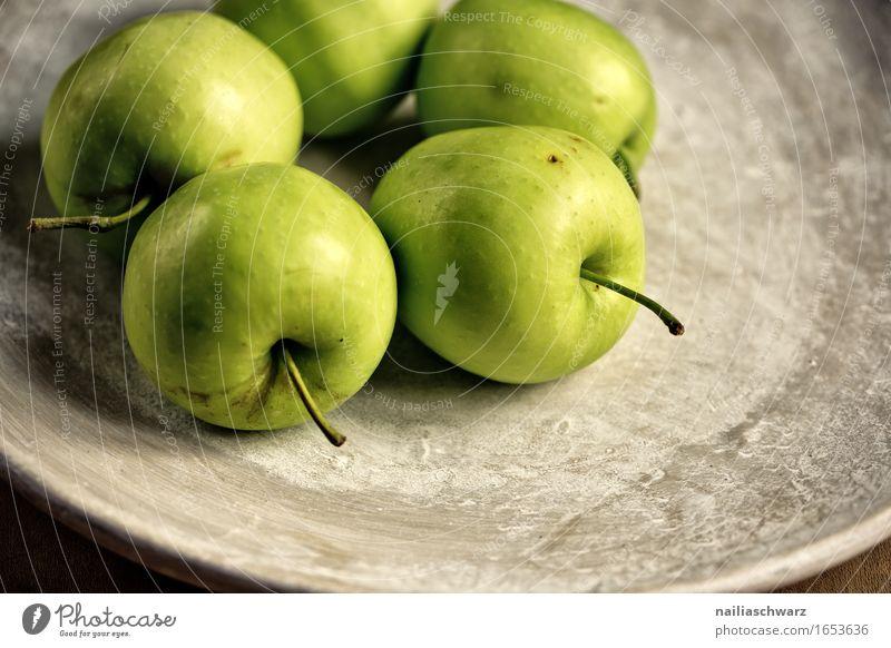 Grüne Äpfel Lebensmittel Frucht Apfel Granny Smith Ernährung Vegetarische Ernährung Teller Schalen & Schüsseln ästhetisch lecker braun grün Steingut Stillleben