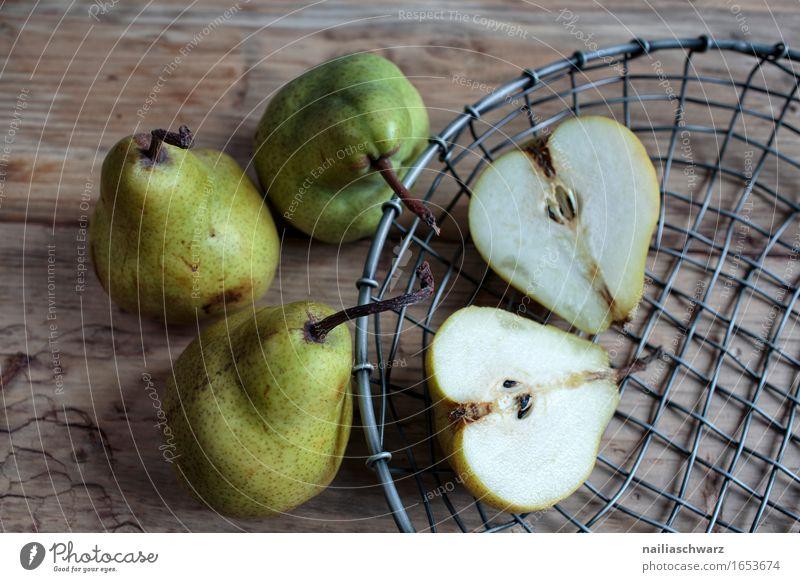 Stillleben mit Birnen grün Traurigkeit natürlich Gesundheit Holz Tod Lebensmittel braun Zusammensein Metall Frucht genießen Idee beobachten Neugier
