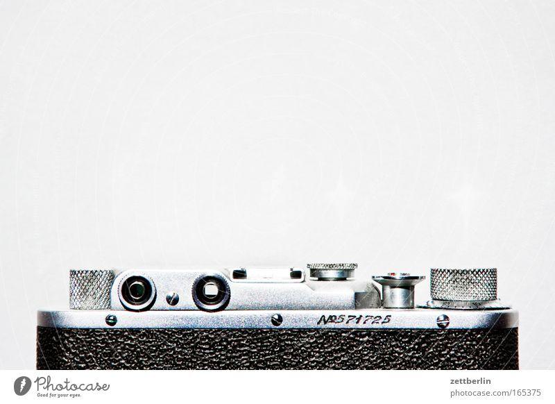 No. 571725 Fotokamera sucherkamera Sucher feinmechanik optik kleinbild durchsichtsucher Schraube rändelschraube rändelmutter Auslöser Gehäuse rücken Rückansicht