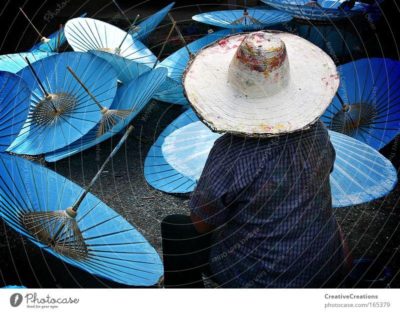 Schirme in Thailand Mensch blau Freude Asien Ferien & Urlaub & Reisen Leben Arbeit & Erwerbstätigkeit Kunst Erwachsene Design Lifestyle rund Fabrik Kultur Hut