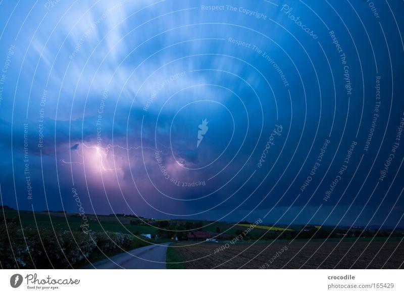 Gewitter Natur Wasser Himmel blau Pflanze Wolken gelb Gefühle Regen Landschaft Luft Feld Angst Wind Umwelt Wassertropfen