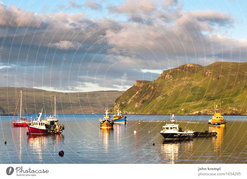 Abendboot ist fertig! Wolken Schönes Wetter Hügel Felsen Berge u. Gebirge Küste Nordsee Meer Portree Isle of Skye Schottland Dorf Fischerdorf Schifffahrt