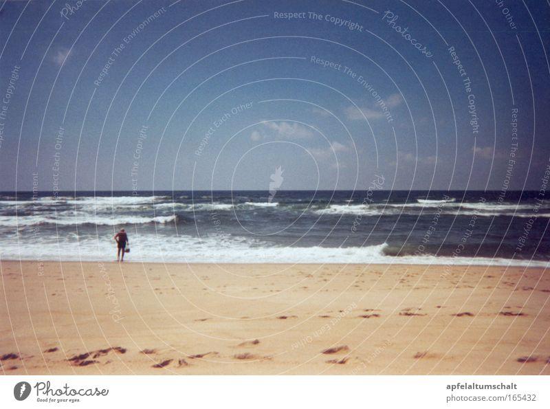 Tag am Meer Wasser Himmel Meer Sommer Strand Ferien & Urlaub & Reisen ruhig Wolken Ferne Erholung Freiheit Sand Zufriedenheit Wellen Horizont Ausflug
