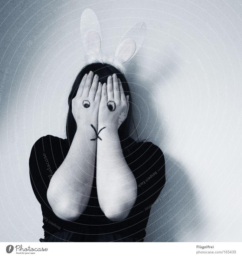 Noch 324 Tage, 3 Stunden und 56 Minuten bis Ostern Mensch weiß Tier schwarz kalt feminin Traurigkeit grau träumen rosa Angst beobachten bedrohlich