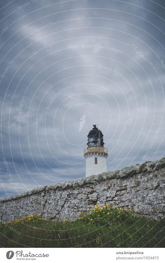 Leuchtturm, am Ende von Schottland Natur Wolken schlechtes Wetter Großbritannien Turm alt maritim wild Farbfoto Gedeckte Farben Außenaufnahme Menschenleer
