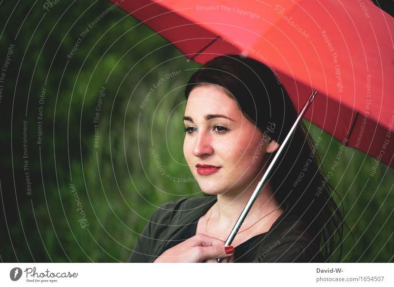 Junge Frau mit rotem Schirm roten Nägeln und rotem Lippenstift Regenschirm roter Nagellack hübsch attraktiv gutaussehend malerisch Kunstwerk natur draußen