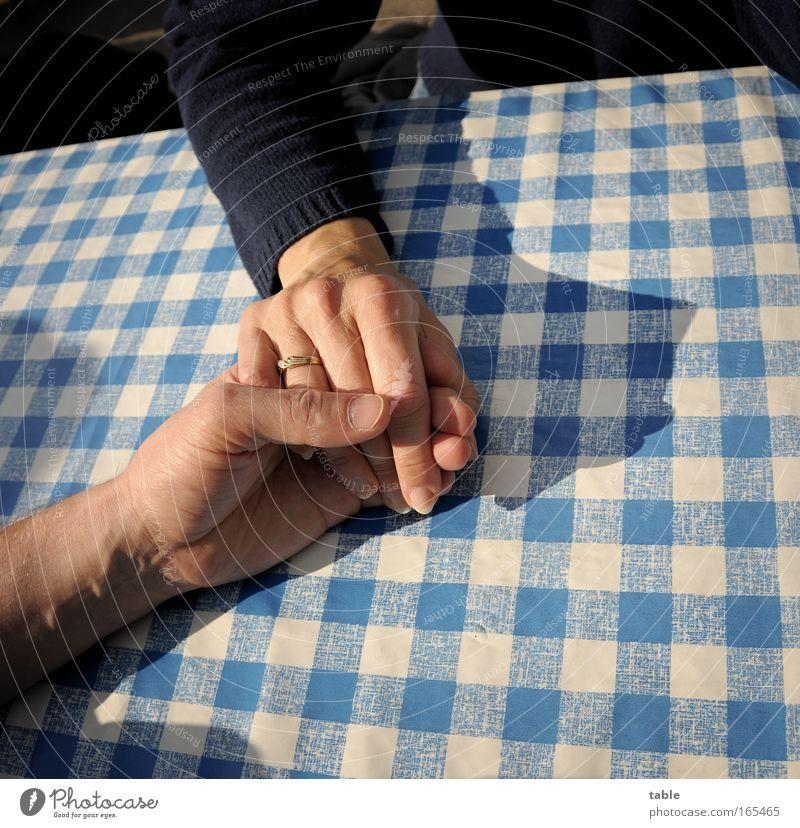 ich hab dich lieb Mensch Frau Mann Hand Freude Erwachsene Liebe Erholung Leben Gefühle Glück Paar Zusammensein Zufriedenheit Arme Haut