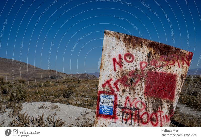 Kein übertretendes Zeichen Wüste Kitsch Krimskrams Hinweisschild Schilder & Markierungen Beratung Kommunizieren kein unbefugtes Betreten Farbfoto Außenaufnahme