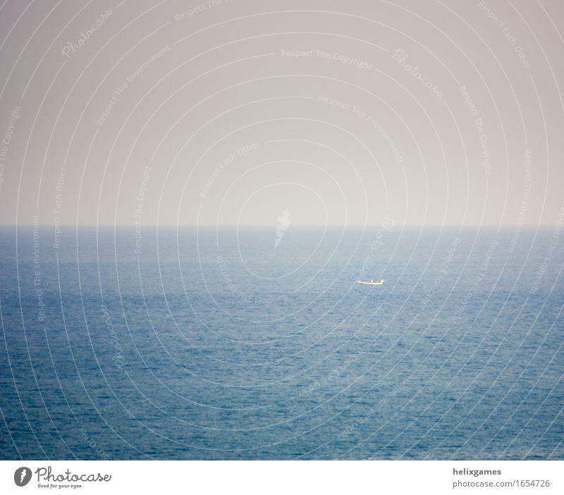 Fischerboot Meer Wellen Himmel Küste Indischer Ozean Arabisches Meer Schifffahrt Bootsfahrt Wasserfahrzeug selbstbewußt geduldig Einsamkeit Leere leer Fischen