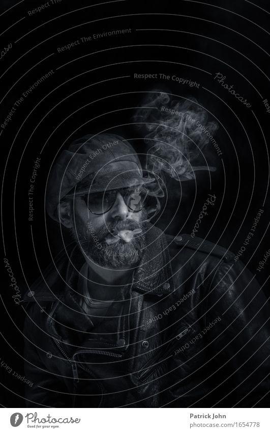 Smoking Mensch Mann Erwachsene außergewöhnlich Denken maskulin Abenteuer Coolness schreiben Rauchen Bart Künstler Werbebranche Stolz Homosexualität