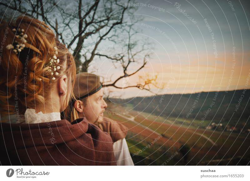 mittelalterhochzeit II Braut Bräutigam Hochzeit Mittelalter Ehe mann und frau Liebespaar Verliebtheit Haare & Frisuren Hochsteckfrisur Romantik Sonnenuntergang