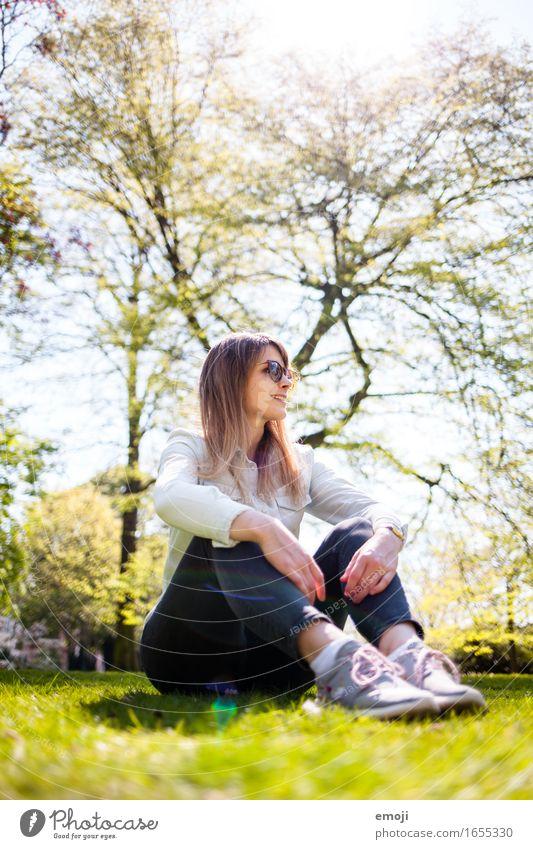 happy life Mensch Natur Ferien & Urlaub & Reisen Jugendliche grün schön Sommer Junge Frau Erholung Freude 18-30 Jahre Erwachsene Frühling natürlich feminin