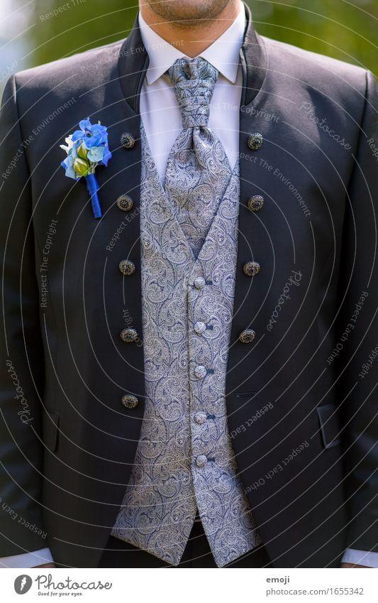 Anzug maskulin Mann Erwachsene 1 Mensch 18-30 Jahre Jugendliche Mode Bekleidung Weste Krawatte schön Zukunft Bräutigam Hochzeit Farbfoto Außenaufnahme