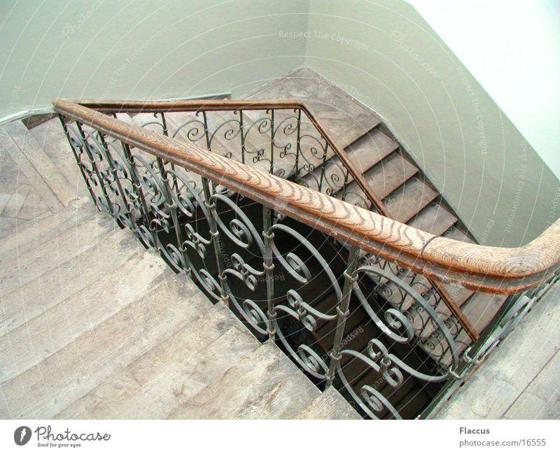 Treppenhaus Treppengeländer Schnörkel Häusliches Leben