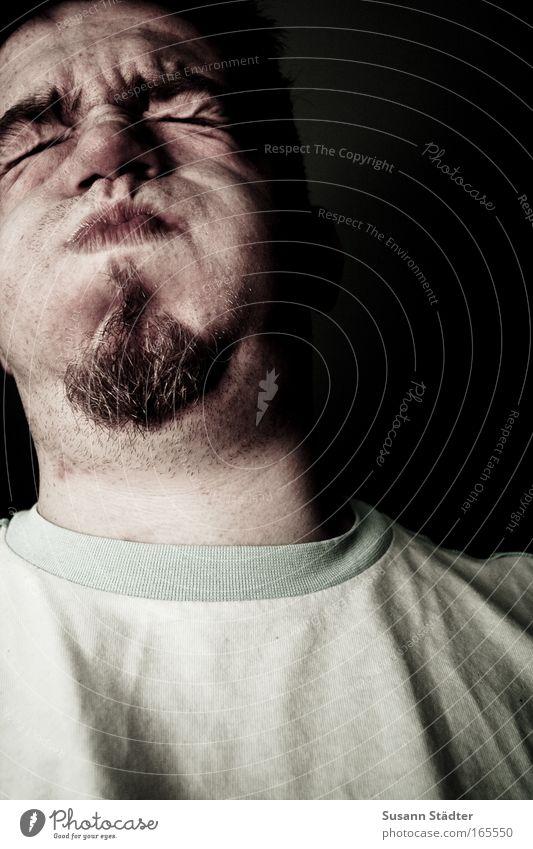 ich glaub` ich platze gleich! Farbfoto mehrfarbig Innenaufnahme Nahaufnahme Mann Erwachsene Kopf Gesicht 1 Mensch 18-30 Jahre Jugendliche Bart Bartstoppel