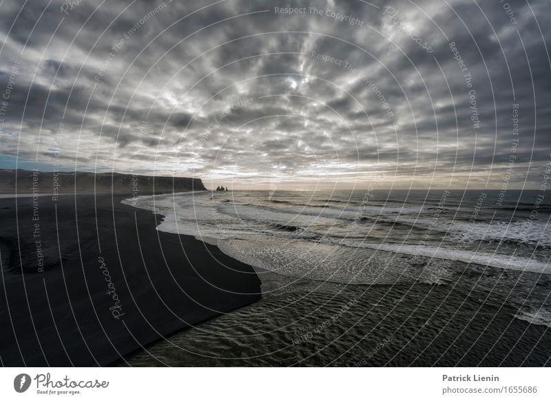 Reynisfjara Beach schön Leben Ferien & Urlaub & Reisen Abenteuer Strand Meer Insel Wellen Umwelt Natur Landschaft Urelemente Wasser Erde Himmel Wolken Klima