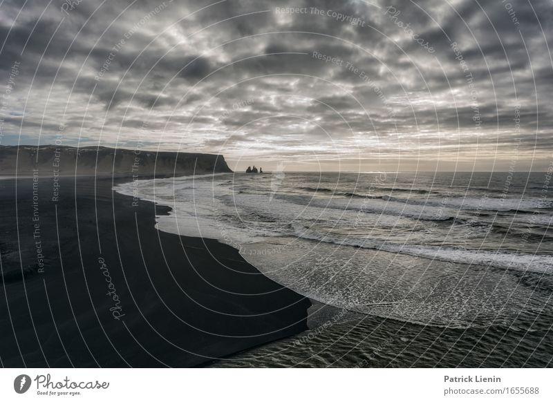 Reynisfiara Himmel Natur Ferien & Urlaub & Reisen schön Meer Landschaft Erholung Wolken Strand Umwelt Leben Frühling Küste Erde Felsen Wetter