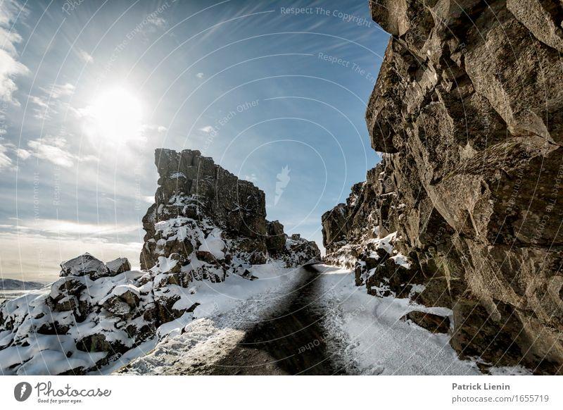 Pingvellir Natur Ferien & Urlaub & Reisen blau Sonne Landschaft Erholung ruhig Ferne Winter Berge u. Gebirge Umwelt Wärme Leben Wege & Pfade Schnee Freiheit