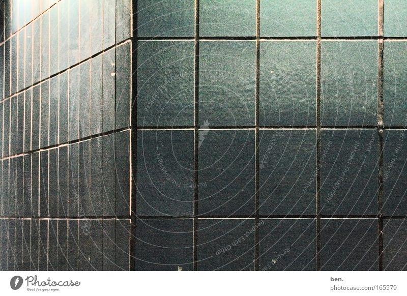Kacheln Gedeckte Farben Menschenleer Hintergrund neutral Kunstlicht Handwerker Baustelle Mauer Wand Fassade ästhetisch eckig trashig