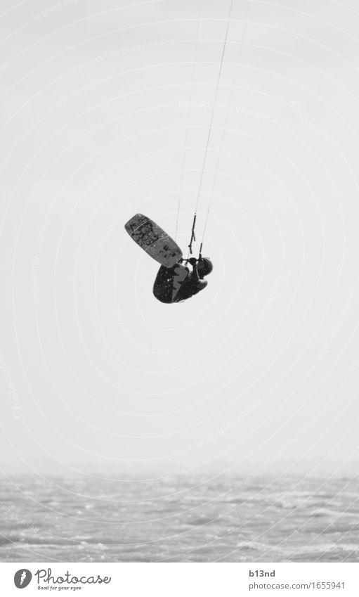 Hang Loose Sport Wassersport Kiting Mensch maskulin 1 Natur Horizont Wellen Küste Nordsee Meer springen sportlich Bewegung Freizeit & Hobby Kraft Mut