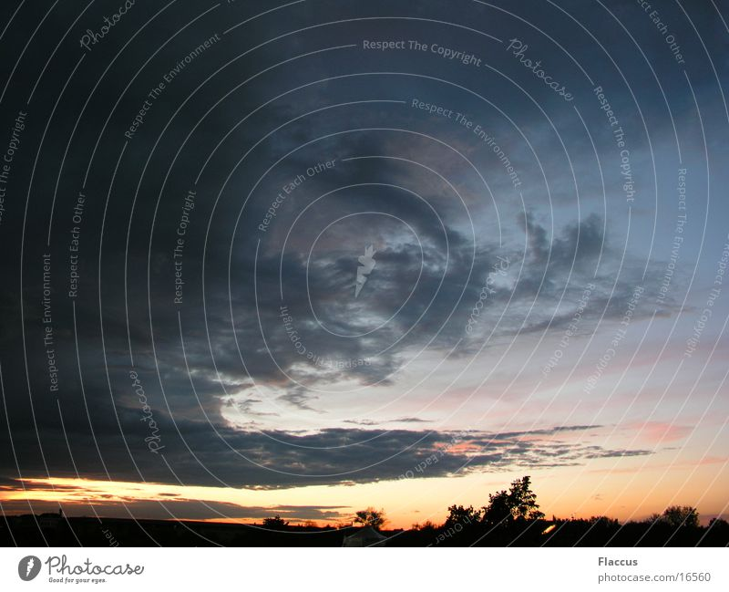 Düster 2 Wolken dunkel Sonnenuntergang Nacht Gewitter Abend Wetter Regen