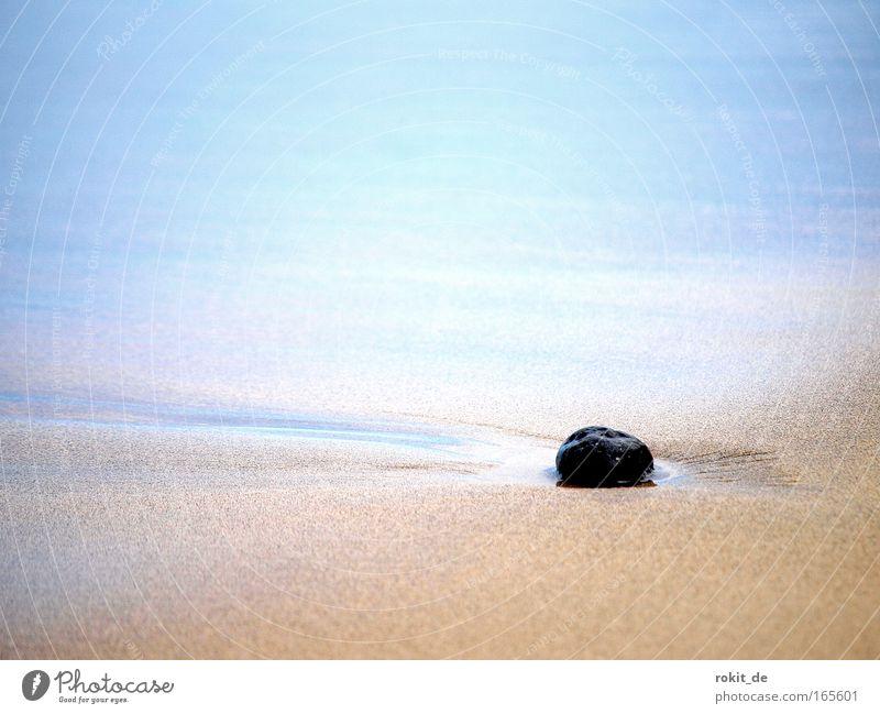Vergessen Natur Wasser Sonne Meer blau Strand Ferien & Urlaub & Reisen ruhig Ferne Erholung Gefühle Bewegung Stein Sand Zufriedenheit Kraft