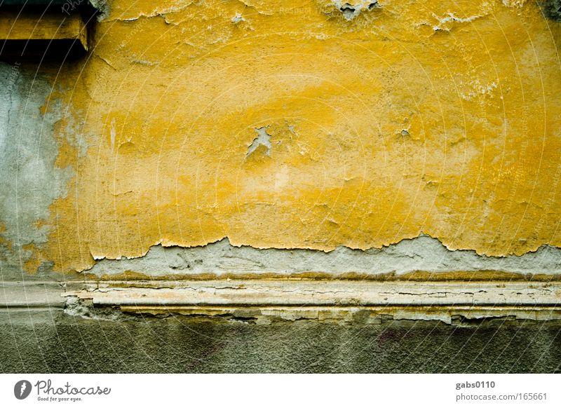 putzig alt Haus gelb Wand grau Mauer Traurigkeit Kunst braun Angst gold dreckig Fassade trashig Verfall Putz