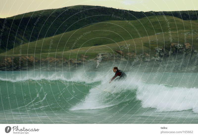 ......YEEEEAAAHHH...III Sonne blau Sommer Freude Sport springen See Landschaft Wellen Coolness Surfer Wassersport Neuseeland Surfbrett