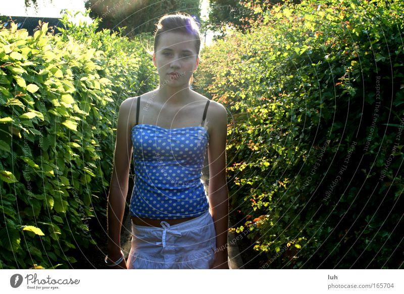 hello, summer Lifestyle elegant Stil schön Mensch feminin Junge Frau Jugendliche Haut Kopf Haare & Frisuren Gesicht 1 Show Mode beobachten berühren gehen