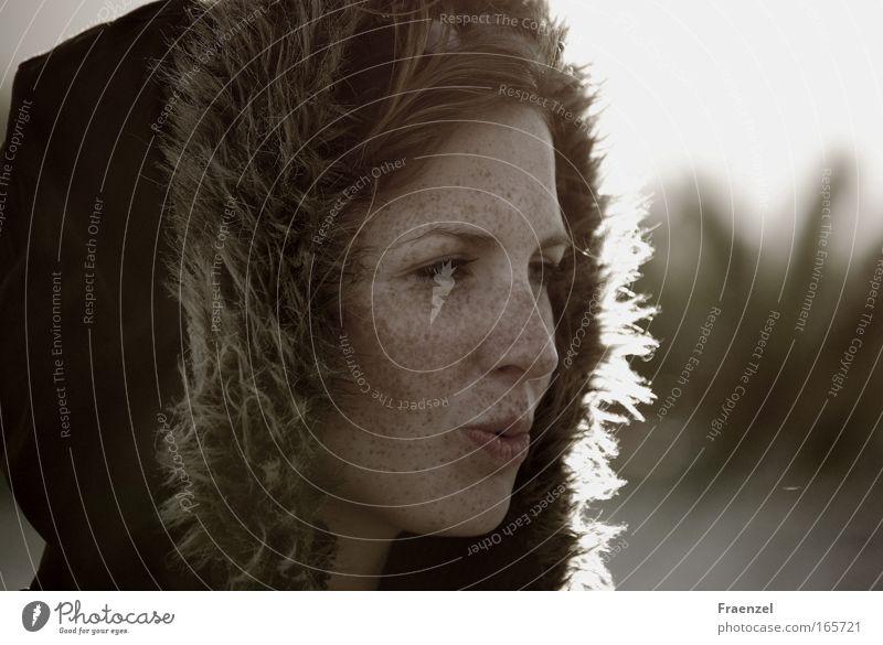 Sanft ist der Abendhauch Mensch Jugendliche schön Winter Gesicht feminin Glück Kopf Zufriedenheit Erwachsene Fröhlichkeit Porträt Frau Freundlichkeit Junge Frau Sonnenuntergang