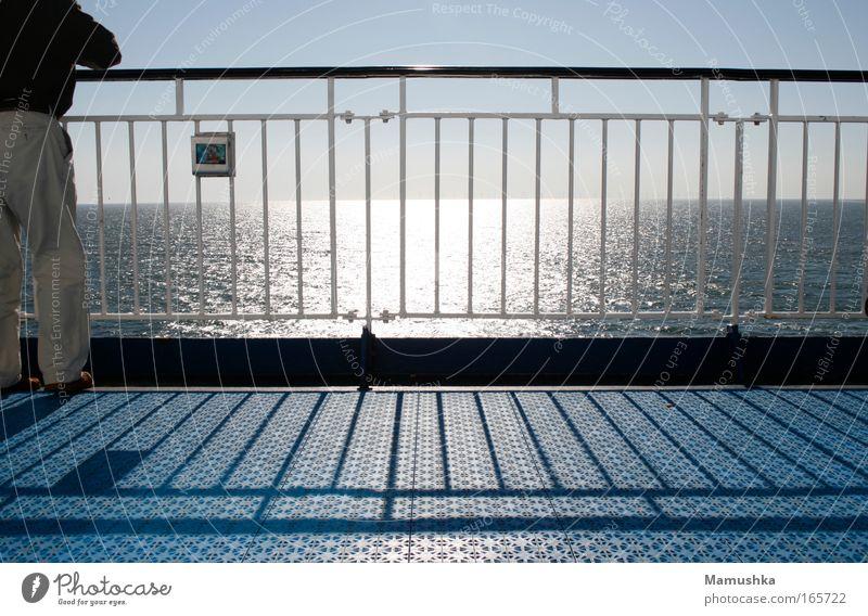 An Deck Mensch Mann Wasser Himmel Sonne Meer Sommer Ferien & Urlaub & Reisen Ferne Erholung Freiheit Luft Wellen Erwachsene maskulin Wetter