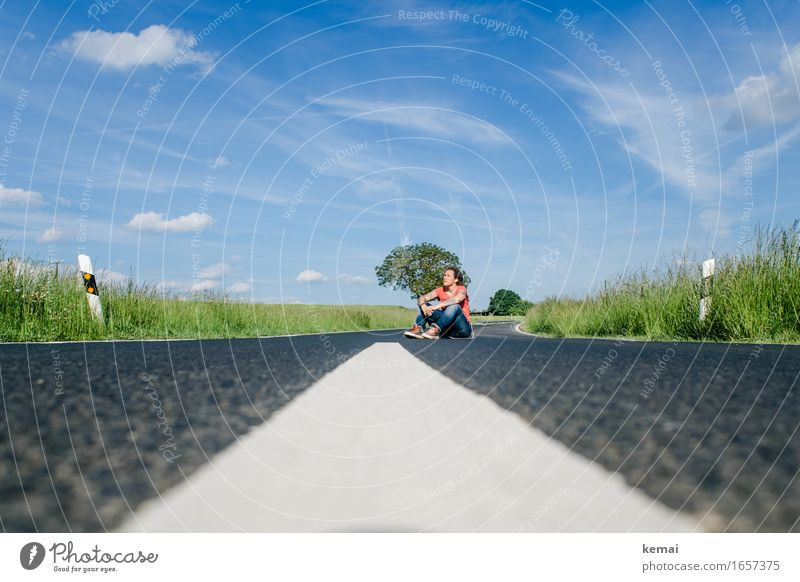 AST9 | The open road and a hungry heart Lifestyle Freizeit & Hobby Ausflug Abenteuer Freiheit Mensch feminin Frau Erwachsene Leben 1 30-45 Jahre Landschaft