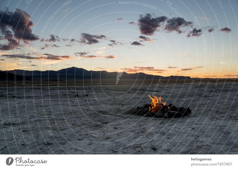 Lagerfeuer in der Wüste Ferien & Urlaub & Reisen Ausflug Abenteuer Ferne Freiheit Expedition Camping Sommer wandern Umwelt Natur Landschaft Herbst
