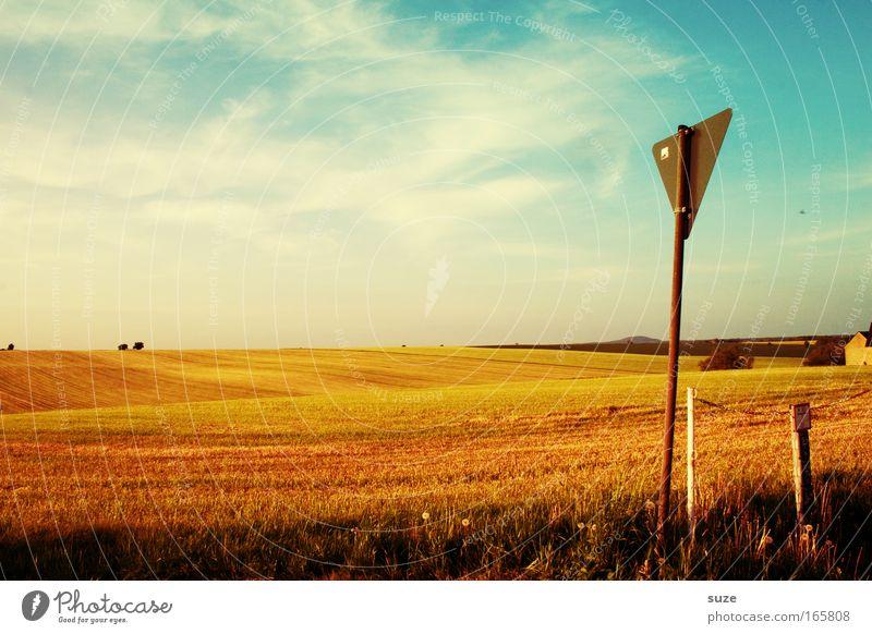 Landtag Himmel Natur Pflanze Sommer Wolken ruhig Umwelt Landschaft Wärme Wege & Pfade Feld Klima Schilder & Markierungen Hinweisschild Pause Schönes Wetter
