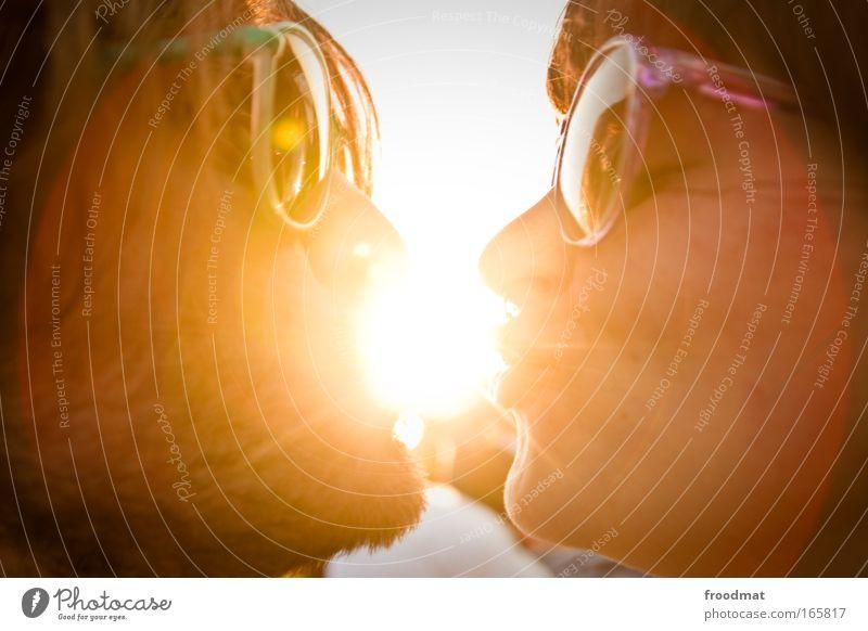 Sonnenanbeter Frau Mensch Mann Jugendliche Sommer Erwachsene Liebe feminin Kopf Glück maskulin ästhetisch Coolness Romantik 18-30 Jahre
