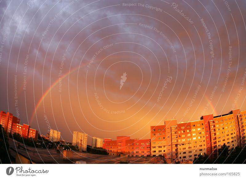 die Farben danach Stadt Sommer Haus Wolken Glück Regen Wohnung Wind Wetter Umwelt Hochhaus Dach Häusliches Leben fantastisch Blitze entdecken