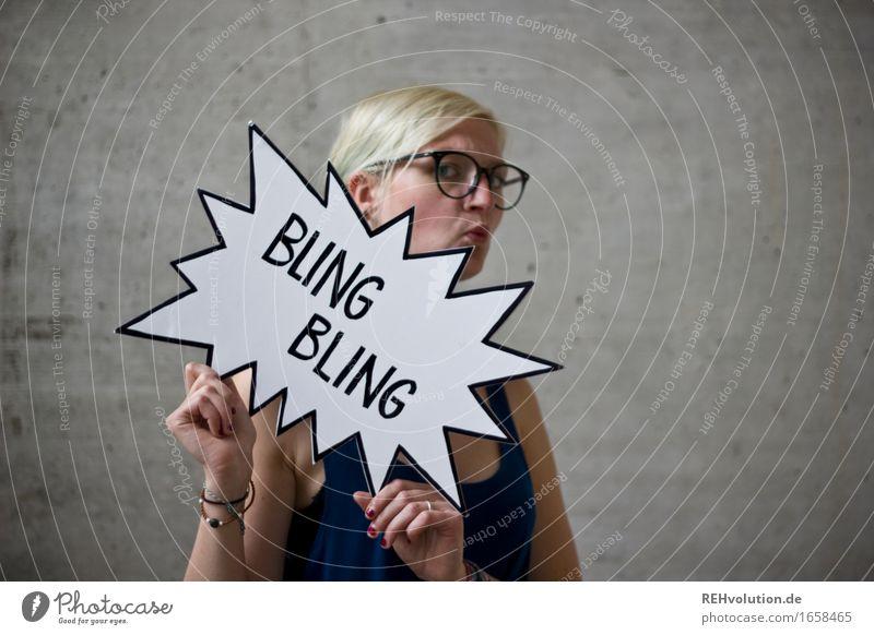 BlingBling Mensch feminin Junge Frau Jugendliche 1 18-30 Jahre Erwachsene Brille blond außergewöhnlich Coolness trendy verrückt Freude Freiheit Idee einzigartig