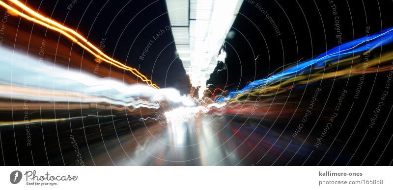 Go Fast weiß blau rot Ferien & Urlaub & Reisen schwarz gelb Straße Bewegung PKW hell Kraft Straßenverkehr nass Zeit Verkehr Geschwindigkeit