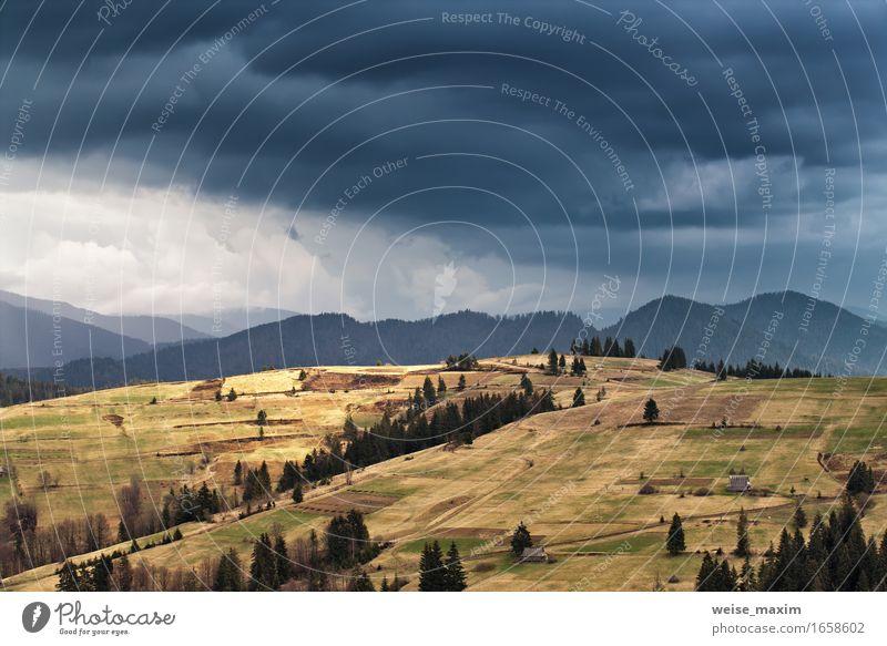Frühlingsregen in Bergen. Donner und Wolken. schön Ferien & Urlaub & Reisen Tourismus Ausflug Freiheit Sommer Berge u. Gebirge Haus Umwelt Natur Landschaft
