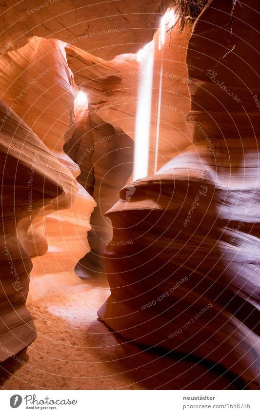Antelope Canyon I Umwelt Erde Sand Sonnenlicht Schlucht außergewöhnlich natürlich trocken braun gelb orange Warmherzigkeit Abenteuer einzigartig entdecken