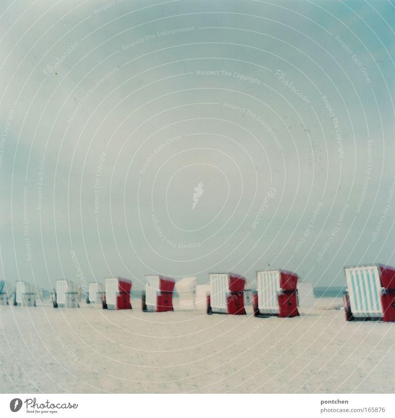 Warnemünde 09 Himmel blau Ferien & Urlaub & Reisen rot Meer Sommer Strand Wolken Erholung Landschaft Küste Sand Wetter Wellen Zufriedenheit Freizeit & Hobby